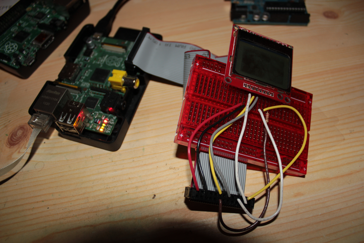 Raspberry Pi with the Nokia 5110 LCD